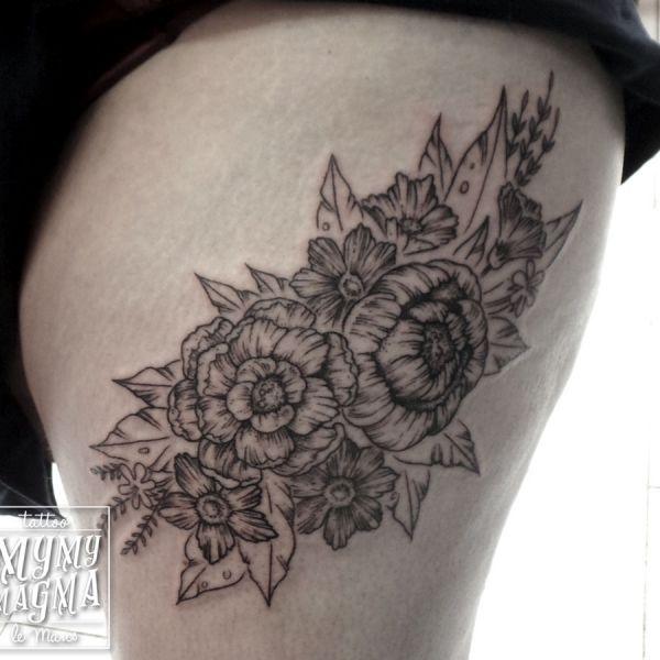 Tatouage de fleurs au traits